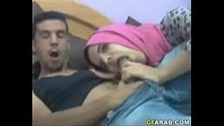 تونسية محجبة تمص زبر صديقها الجنس العربي القذر