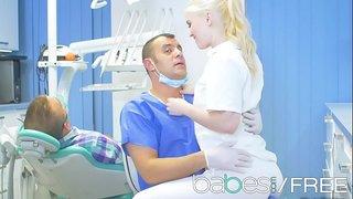 سكس دكتور الاسنان xxx أفلام مجانية في Onlyhardporn.mobi